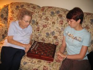Laurel taught Grandma to play chess.