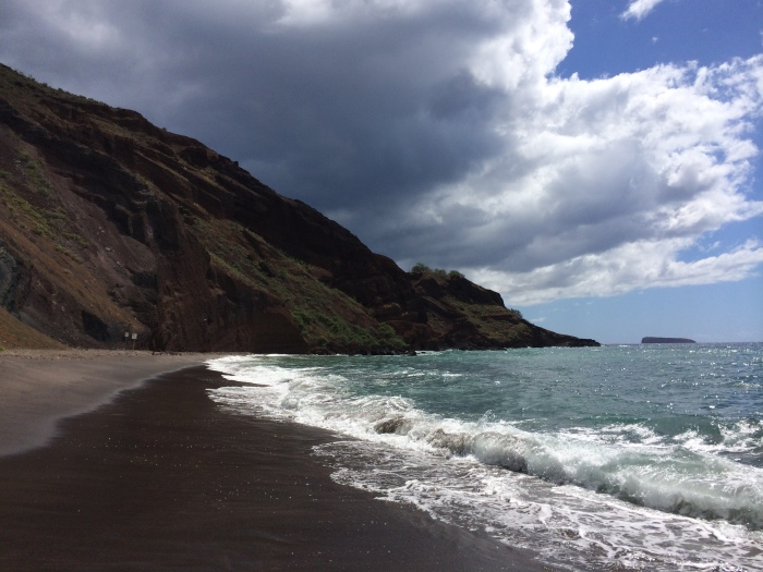 The black sand of Onueli Beach - only about 1/2 mile north of Big Beach, but a very different place.