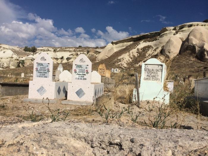 Cemetery in Çavusin